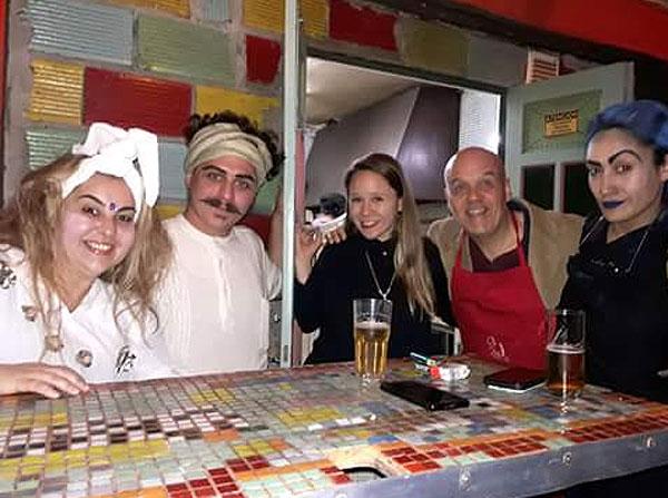 """""""Autores"""" La Cocina de los Dramaturgos en Kika Arte Bar, Rosario. Claudio Moda autor. Candela Fernández Directora"""